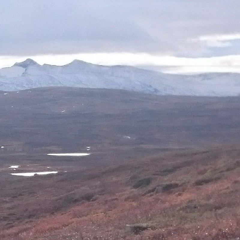 sylarna i bakgrunden under Jämtlandstriangeln